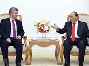 Le PM Nguyên Xuân Phuc reçoit le ministre cubain de la Communication