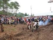 Course de motos tout-terrain à Hà Giang