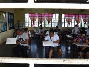 Philippines : explosions avant les élections de mi-mandat