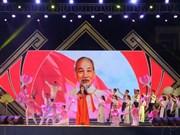 Le Festival du village Sen célèbre l'anniversaire de l'Oncle Hô
