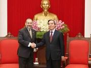 Une délégation du Département américain du Trésor au Vietnam