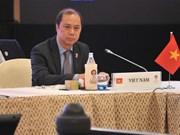 Le Vietnam assiste à des réunions des hauts officiels de l'ASEAN+3 et de l'EAS