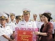 La vice-présidente rencontre les cadres et soldats de la 4e zone navale