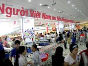 """Les consommateurs privilégient le """"made in Vietnam"""" pour leurs achats"""