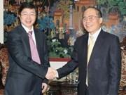 Nguyen Sinh Hung reçoit des journalistes de Xinhua