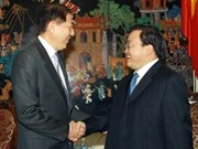 Le vice-PM Hoang Trung Hai reçoit son homologue singapourien