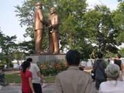Hanoi: Inauguration de la statue des Oncles Hô et Tôn
