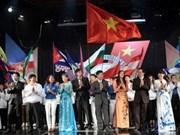 WFYS: les jeunes vietnamiens arrivent à Pretoria