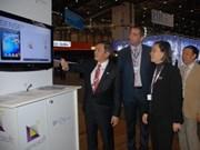 """Le Vietnam à un Forum """"World Telecom"""" à Genève"""
