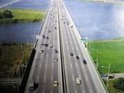 Aide japonaise pour le contrôle de la circulation sur un périphérique à Hanoi