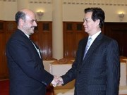 Nguyen Tan Dung reçoit les ambassadeurs iranien et mozambicain