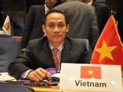 Le Vietnam s'engage à promouvoir la paix dans la région