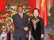 Mme Doan s'entretient avec le président de Zanzibar