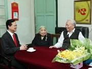 Le PM formule les vœux du Têt aux anciens dirigeants