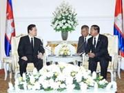 Entrevue entre les deux PM vietnamien et cambodgien