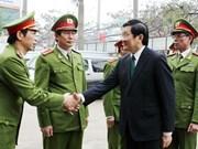 Le président formule ses voeux à des forces de police