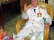Le ministre de la Défense formule ses vœux au général Vo Nguyên Giap