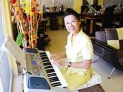 Anoa, une Viêt kiêu, fait des affaires dans son pays natal