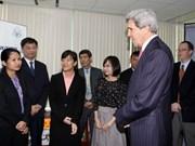 Le secrétaire d'Etat américain apprécie les potentiels du Vietnam