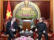 Le chef de l'AN rencontre les représentations diplomatiques du Vietnam à l'étranger