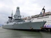Un navire de la Marine royale britannique à Da Nang
