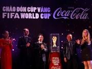 Le trophée de la Coupe du Monde de la FIFA arrive au Vietnam