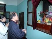 Nguyen Sinh Hung rend hommage au président Ho Chi Minh