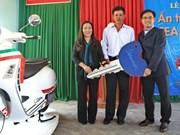 Anh Vien reçoit le prix «Impressions d'or des SEA Games 27»