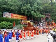 Une délégation des Viêt kiêu à la Fête du Temple des Rois Hùng