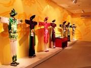"""Bientôt l'exposition """"La tenue dans la croyance des Vietnamiens"""" en France"""