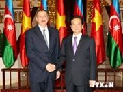 Des dirigeants vietnamiens reçoivent le président de l'Azerbaïdjan