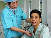 Le premier greffe d'un cœur artificiel réalisé avec succès au Vietnam