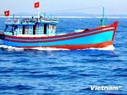 Les navires chinois continuent d'empêcher les chalutiers vietnamiens
