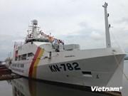 Remise du navire KN-782 à la Surveillance des ressources halieutiques du Vietnam