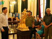 Projet de fonte de 60 statues en or du génie Giong