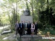 Le permanent du Secrétariat du PCV Le Hong Anh au Royaume-Uni