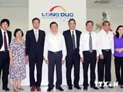 Le chef d'Etat inspecte la ZI de Long Duc de Dong Nai