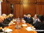 L'Azerbaïdjan souhaite que le Vietnam continue de se développer fortement