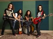 Un groupe indien de rock au Vietnam