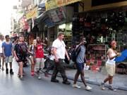 Seulement 6 % des touristes étrangers reviennent au Vietnam : une information inexacte