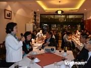 Des Vietnamiens en Australie s'orientent vers la mer et les îles sacrées de la Patrie