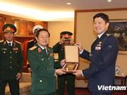 Défense : Vietnam et Singapour intensifient leur coopération