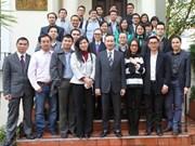 Des intellectuels vietnamiens au Royaume-Uni contribuent à l'édification nationale