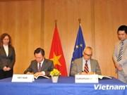 Vietnam et l'UE signent le protocole du PCA