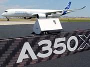 Vol de démonstration d'un A350 XWB à Hanoi