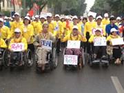Une marche pour les handicapés à Hanoi