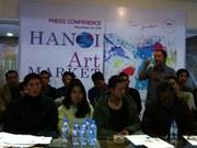 Hanoi présente son marché de l'art pour les jeunes artistes