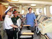 Le PM Nguyen Tan Dung rend visite à la Compagnie générale Ba Son