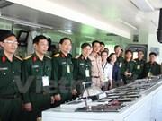 Échange entre officiers vietnamiens et thaïlandais
