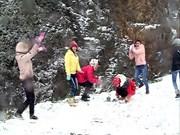 La neige à Sapa attire de nombreux touristes